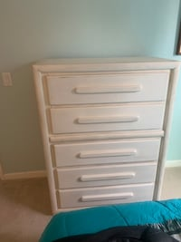 White chalk painted chest of drawers
