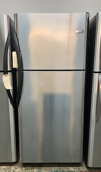 Frigidaire top freezer fridge Toronto, M6H 4C8