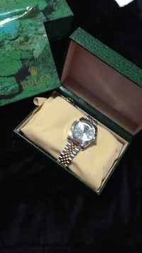 silver-colored analog watch with link bracelet Germantown, 20874