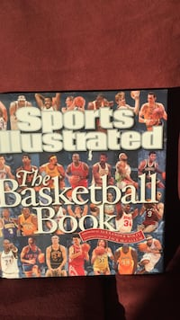 Sports illustrated the basketball book.NICE COFFEE TABLE BOOK