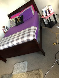 purple and white bed sheet Baltimore, 21217