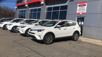 Toyota - blizzard Pearl RAV4 Limited AWD - 2016