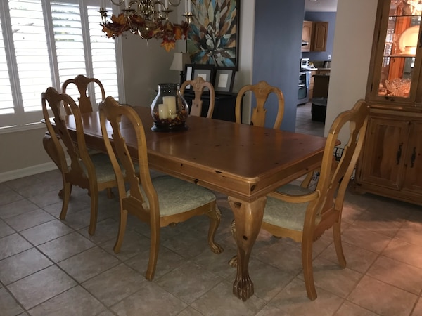 Used Thomasville Santiago Collection Dining Table Set Hutch For Sale In Cypress