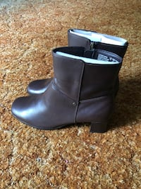 New Brown Ankle Boots Size 10 Hampton, 23663