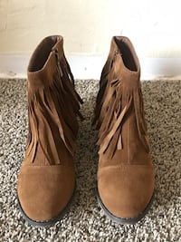 Pair of brown suede fringe boots Salinas, 93905