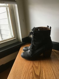 women's black leather lace-up chunky heel booties Aurora, 60504