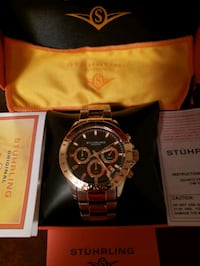 looking to trade this brand new watch for a samsun Cleveland, 44129