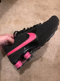 Nike size 7Y runners Vancouver, V5P 4T3