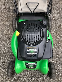Lawn Boy Self-Propelled Mower - Like New Lawnmower !