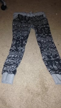 Black and gray tribal print pants//brand:bluenotes//size:L St. Clements, R1C 0B7
