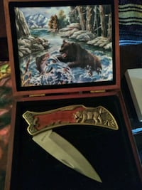 Bear knife with beautiful rosewood box Vienna, 22181