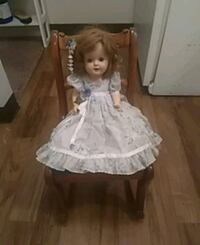 Vintage doll with chair. Modesto, 95355