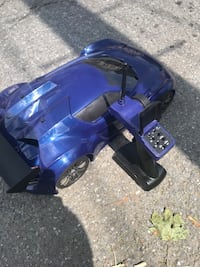 Blue and black rc car