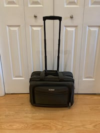 Delsey Carry On Bag with Handle and Shoulder Strap Markham, L3T 3L5