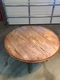 Oak table with 3 leafs with 6 chairs  Riverside, 92507
