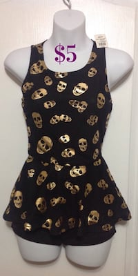 BLUENOTES Black & Gold Skull Peplum Top: Size XS (New with tags) Brampton, L7A