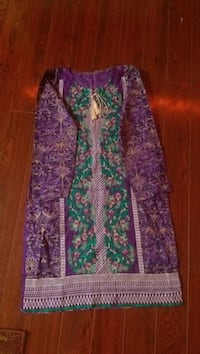 Elegant Pakistani/Indian kurta with embroidery Toronto, M1L 0A2
