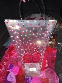 Floral decoration wraps, gift bags, sheets   Miami, 33157