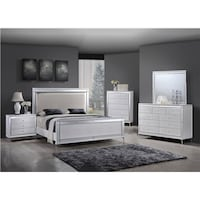 Queen bed with mattress Victorville, 92395