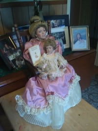Collectable porcelain Doll Southern Pines, 28387