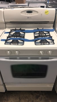 Maytag gas stove working perfectly four months warranty  Bowie, 20715