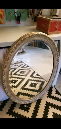 Beautiful Oval Mirror (ready to hang)