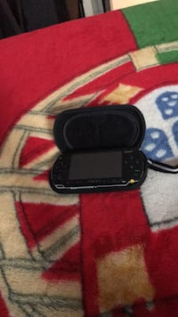 black Sony PSP with charger Milton, L9T