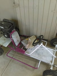 baby's gray and pink stroller Lakewood, 90715