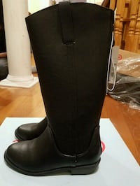 pair of black leather knee-high boots Brampton, L6R 3B9