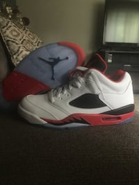 Jorden retro 5 size 8.5 with box.