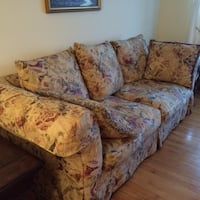 brown and red floral fabric loveseat Châteauguay, J6J 1W6
