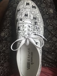 White and gray floral low-top vans  sneaker Vancouver, V6A 3K1