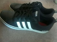 black-and-white Adidas low-top sneakers Maple Ridge, V2X 9S5