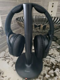 Brand New condition- wireless headset for tv Mississauga, L5M 7Z9