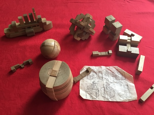 5 Japanese wooden puzzles