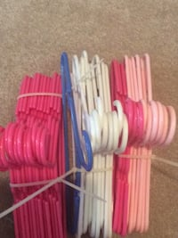 Hangers for baby clothes (total of 32 hangers) 20 km