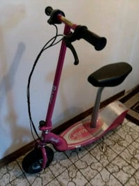 Razor electric  scooter e300s,,,pink Orland Park, 60467