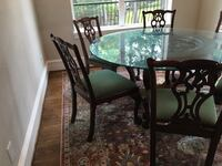 round glass top table with four chairs dining set Houston, 77079
