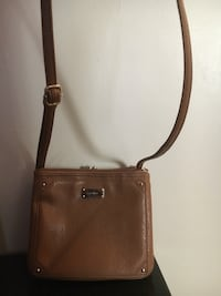 Nine West pocketbook / purse.  Super cute.  Great condition. Camel colored Broomall, 19008