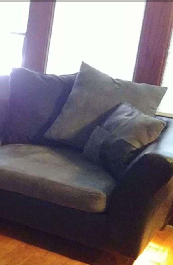 loveseat and chair for sale 697bac88-9bc8-4626-98ad-bdcdb21a1145