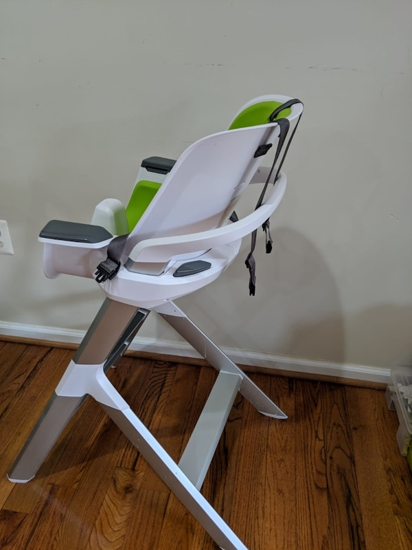 4moms high chair - easy to clean with magnetic, one-handed tray attachment 0
