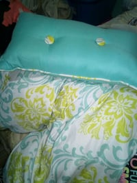 Twin/ full size comforter. Exeter, 93221