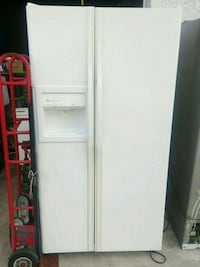 white side-by-side refrigerator with dispenser Lake Worth, 33462