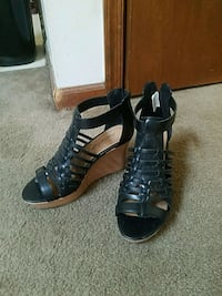Black wedges size 7 - never worn Forest, 24551