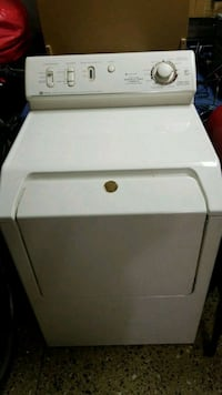 white front load clothes dryer Corona, 92883
