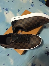 Size 9.5 New York, 11369