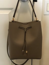 BRAND NWT RALPH LAUREN DRAWSTRING DERBY BUCKET/HOBO BAG IN TAUPE Vancouver, V5R