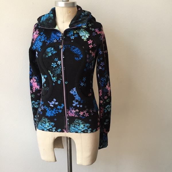 great variety models uk availability exclusive shoes Lululemon PETAL POP rare scuba hoodie