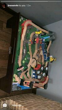 Very nice like new Imaginarium train table set with all the pieces!  Martinsburg, 25401