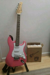 Pink-white electric guitar Gaithersburg, 20886